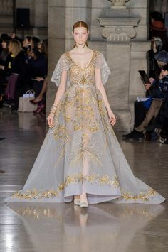 Georges Hobeika Spring 2017 Couture Fashion Show - The Impression Georges Hobeika, Style Haute Couture, Couture Fashion, Runway Fashion, Paris Fashion, Haute Couture Gowns, Valentino Couture, Spring Couture, Beautiful Gowns