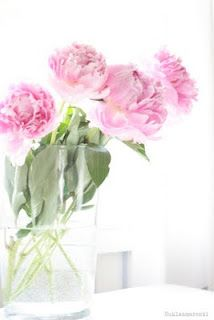 . Glass Vase, Home Decor, Decoration Home, Room Decor, Home Interior Design, Home Decoration, Interior Design