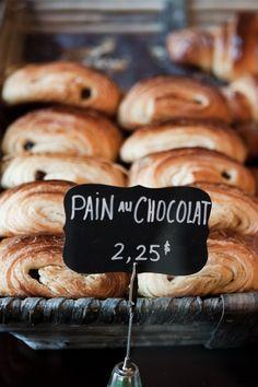 pain au chocolate pastries