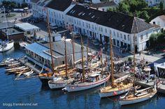Noen bilder fra Trebåtfestivalen i Risør White City, Small Towns, Summer Time, Norway, Boat, World, Travel, Dinghy, Viajes