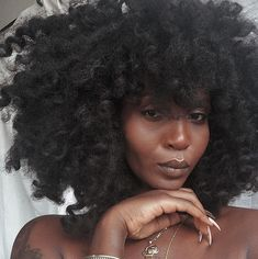for all things natural hair + care! Black Girls Hairstyles, Curled Hairstyles, Cool Hairstyles, Beautiful Hairstyles, Style Afro, Black Girl Makeup, Pelo Natural, Natural Hair Styles, Long Hair Styles