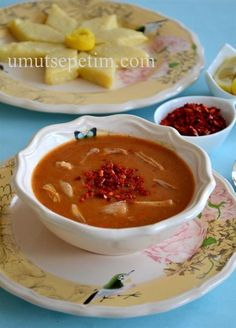 arabaşı çorbası tarifi Turkish Recipes, Ethnic Recipes, Hot Soup, Cute Food, Beautiful Cakes, Vegetable Recipes, Bon Appetit, I Foods, Thai Red Curry