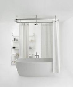 Simple bathroom designs are the perfect design style for you who love simplicity. The uncomplicated simple bathroom designs easily integrate a subtle color scheme, plain bathroom fixtures, materials, and accents with style. Clawfoot Tub Bathroom, Bathtubs For Small Bathrooms, Bathtub Shower, Bathroom Shower Curtains, Amazing Bathrooms, Bath Tub, Bath Room, Freestanding Bathtub, Chic Bathrooms