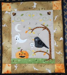 I love Halloween quilts!