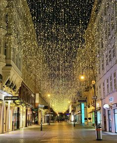 Louvre, Street View, Building, Christmas, Travel, Xmas, Viajes, Buildings, Navidad