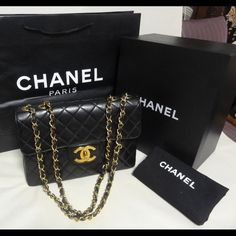 Authentic CLASSIC Chanel Jumbo Lambskin No rip or tears. Glitters as shown on the back side of the bag. Box-dust bag-NO authenticity card (missing) CHANEL Bags Shoulder Bags