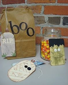 DIY~ Make these really cute tags or ornaments for a Halloween tree.