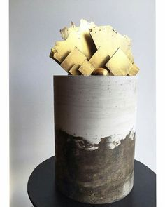 Concrete look double barrel cake with gold chocolate sails Pretty Cakes, Beautiful Cakes, Amazing Cakes, New Birthday Cake, Birthday Cakes For Men, Birthday Wishes, Creative Cake Decorating, Creative Cakes, Cupcakes