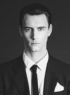 Harry Lloyd is not only smokin' hot, but he is also the great great grandson of Charles  Dickens. That is all