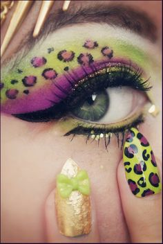I tried to recreate this for school but gonna have to get different makeup! Super cute!!
