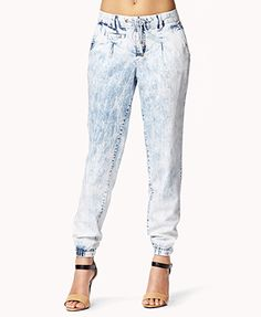 i  wnt pants like this but either in black or a really bright color