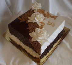 Dezert čokoládovo biely Cupcake Icing, Cupcake Cakes, Beautiful Cakes, Amazing Cakes, Pastel Cakes, Luxury Cake, Mexican Dessert Recipes, Types Of Cakes, Dessert Decoration