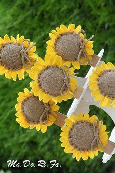 bomboniere: Le bomboniere con i girasoli Cloth Flowers, Burlap Flowers, Felt Flowers, Diy Flowers, Fabric Flowers, Paper Flowers, Sunflower Birthday Parties, Zombie Birthday Parties, Sunflower Party