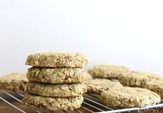 Apple Cinnamon Protein Breakfast Cookie - will replace 1/2 of the oatmeal with coconut flour and amaranth flour.