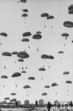 parachute jump // Life magazine
