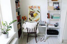 """472 tykkäystä, 9 kommenttia - HENRIIKKA SIMOJOKI (@aamukahvilla) Instagramissa: """"Back to school, back to work! Here is my little home office ☕️ // Blogissa lisää kuvia ja tekstiä…"""""""