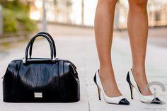 Look Lady Crimenes de la Moda - houndstood dress - cocoon blue coat - abrigo azul - bolso negro Nine West doctor bag - pulsera Kimber Joyas jewellery - zapatos Zara shoes