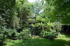 Quiet green nook in the garden of 'bowerbird' and artist Cornelis Le Mair