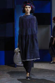 Daniela Gregis Ready To Wear Spring Summer 2018 Milan Fashion Now, Holiday Fashion, Live Fashion, Everyday Fashion, Runway Fashion, Holiday Wear, Dress Shapes, Spring Summer 2018, Donna Karan