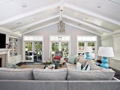 Traditional | Living Rooms | Kerrie Kell : Designer Portfolio : HGTV - Home & Garden Television