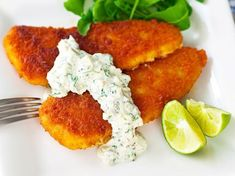 Tartarkastike kalalle Gluten Free Recipes, Keto Recipes, Tandoori Chicken, Salmon Burgers, Goodies, Food And Drink, Fish, Koti, Meat