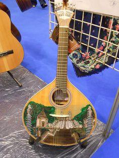 Guitarra portuguesa decorada