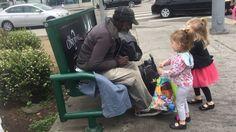 Kids Volunteer to Help the Homeless