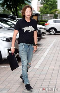 Media photo 2016.06.14. 14:00 Jang Geun Suk ,he is attending celebration feast by SBS for daebak end of filming. Held at a hotel in Yeoido