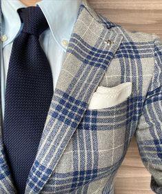 Dapper Gentleman, Gentleman Style, Trend Fabrics, Man Up, Sports Jacket, Classic Man, Winter Wear, Mens Suits, Mens Fashion
