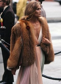 Lauren Hutton flawless in fur