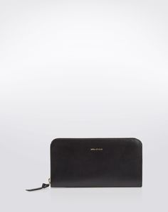 Wallet: Royal Republiq. Click on the picture to get the product ♥