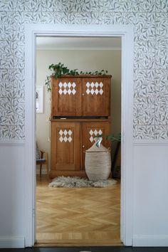 Hallway | Wallpaper Diana | Sandberg Wallpaper Blog_frida