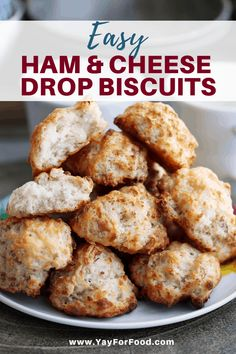 Ham and Cheese Drop Biscuits - The classic winning combination of savoury ham and melty cheese is stuffed inside a drop biscuit thats crunchy on the outside and soft and fluffy on the inside. An easy recipe for the perfect snack. Brunch Recipes, Appetizer Recipes, Breakfast Recipes, Snack Recipes, Muffin Recipies, Breakfast Ideas, Recipes Dinner, Baking Recipes, Vegetarian Recipes