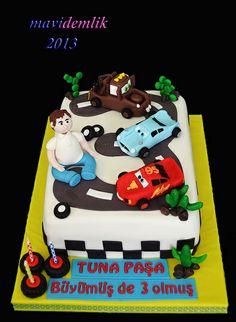 mavi demlik mutfağı- izmir butik pasta kurabiye cupcake tasarım- şeker hamurlu-kur: TUNA'NIN 3 YAŞ CARS 2 PASTASI