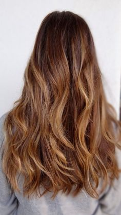 """Have you considered balayage highlights? Balayage is the French word for """"to sweep"""" or """"to paint"""". Using this technique, the colorist colors your hair horizontally, coating … Bayalage, Balayage Brunette, Hair Color Balayage, Hair Highlights, Ombre Hair, Brunette Hair, Medium Brown Hair With Highlights, Dark Balayage, Summer Highlights"""