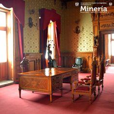 El Salón Rojo formaba parte de la sección del Palacio de #Minería destinada a la vivienda del director del Colegio de #Ingenieros. Te invitamos a conocer más de este recinto en nuestro boletín informativo del mes de enero. Visita www.mineria.unam.mx