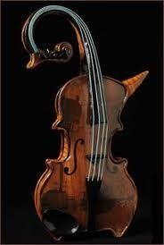 <3 ceramic violin teapot ~ http://www.merylruth.com/index_files/melotea.html