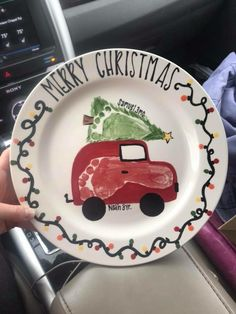 DIY Christmas Plates for Kids to Make - Party Wowzy Homemade Christmas Gifts, Christmas Gifts For Kids, Holiday Crafts, Holiday Fun, Christmas Crafts For Kids To Make Toddlers, Christmas Handprint Crafts, Handmade Christmas, Christmas Plates, Christmas Art