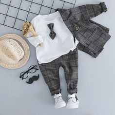 Newborn Outfits, Baby Boy Outfits, Kids Outfits, Winter Baby Clothes, Baby Winter, Kids Dress Wear, Baby Dress, Baby Boy Suit, Plaid Suit