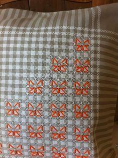 Broderie Suisse, Chicken scratch, Swiss embroidery, Bordado espanol, Stof veranderen... #Chickenscratchembroidery