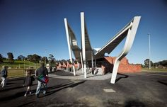 Templestowe Reserve Sporting Pavilion / Phooey Architects | ArchDaily