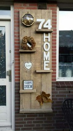 Outside at the front door Also incorporate the exterior lighting The post Outside at the front door The outdoor lighting also … appeared first on Garden ideas - Upcycled Home Decor Diy Pallet Projects, Home Projects, Pallet Ideas, Upcycled Home Decor, Diy Home Decor, Pallet Furniture, Furniture Making, Palette Diy, Pallet Creations