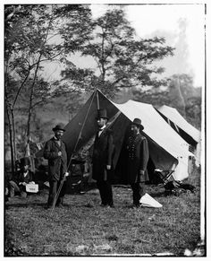 Allan Pinkerton, Abraham Lincoln, and General McClernand.