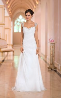 Beach Wedding Dress Sweetheart Neck Appliques Beaded Straps Sexy Backless FREE EMS SHIPPING!