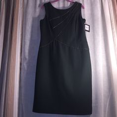 ❤️ NWT Dress by Ellen Tracy❤️ ❤️ New Dress forest green color, fully lined, gold faux leather trim, zipper on the back, size 12❤️ Ellen Tracy Dresses Midi
