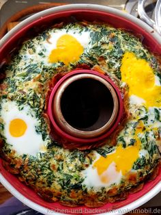 Omnia oven: spinach cake with ricotta, fried potatoes & fried eggs ›cook- and- bake- in-wohnmobil.de - Omnia oven: spinach cake with ricotta, fried potatoes & fried eggs › Cook and bake… - Cake Recipes Without Oven, Cake Recipes From Scratch, Easy Cake Recipes, Egg Recipes, Low Carb Recipes, Ricotta, Spinach Cake, Easy Vanilla Cake Recipe, Dutch Oven Recipes