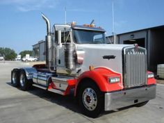Our featured #truck is 2007 #Kenworth W900L