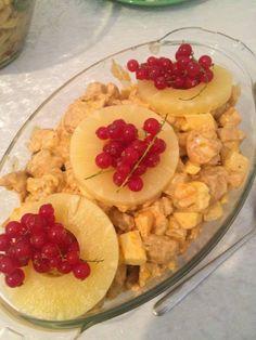 Kip fruit salade. Heerlijk bij een buffet of de BBQ maar ook met een kleine aanpassing perfect voor op een toastje of stukje brood.