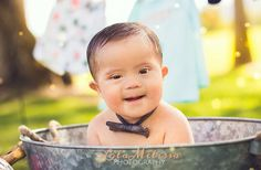 Bubble bath session, Palm Springs photographer, Down syndrome cutie!   Lola Melissa photography