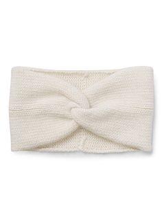 Exclusivité Simons     De notre collection en fin mélange de laine d'agneau et d'angora   La forme bandeau turban pure mode de la saison   Doux tricot de laine d'agneau et d'angora pour un hiver chaud   Accessoires coordonnés également disponibles   Largeur : 14 cm